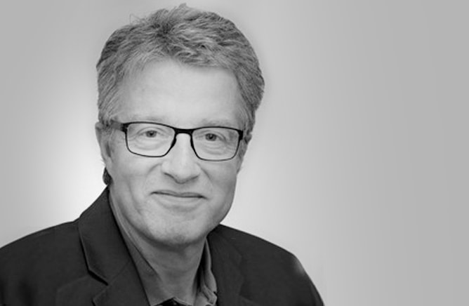 Prof. Dr. med. vet. FVH, ECVS, ECBHM Adrian Steiner